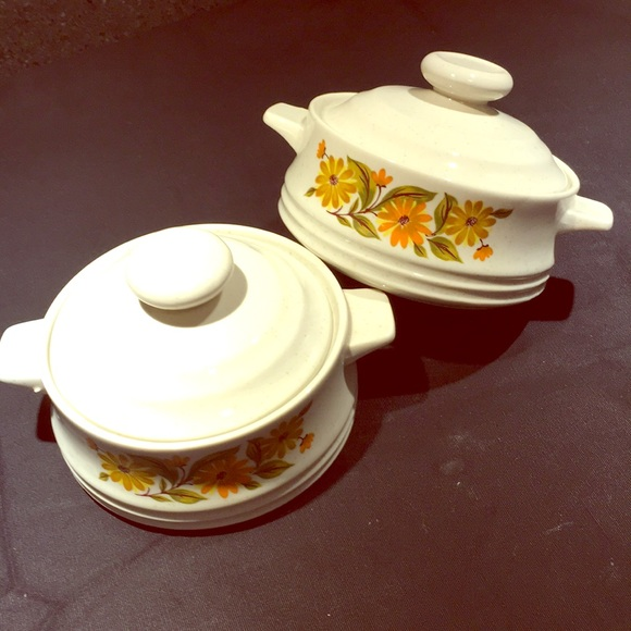 Vintage Other - 2 vintage Capri covered mini casserole dishes